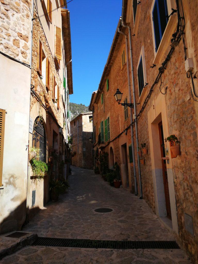 Ruelle Valldemossa - Majorque - En moins de deux