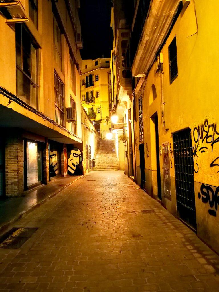 Ruelles nuit Palma de Majorque - En moins de deux