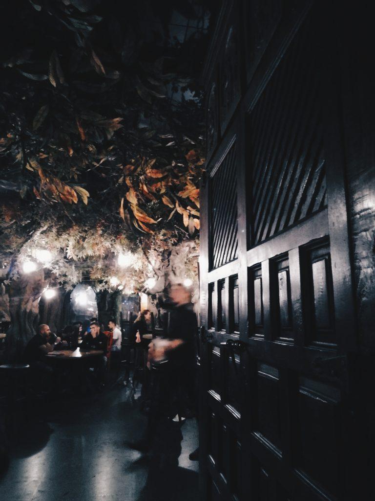 El Bosc de Les Fades - Bar insolite Barcelone - En moins de deux